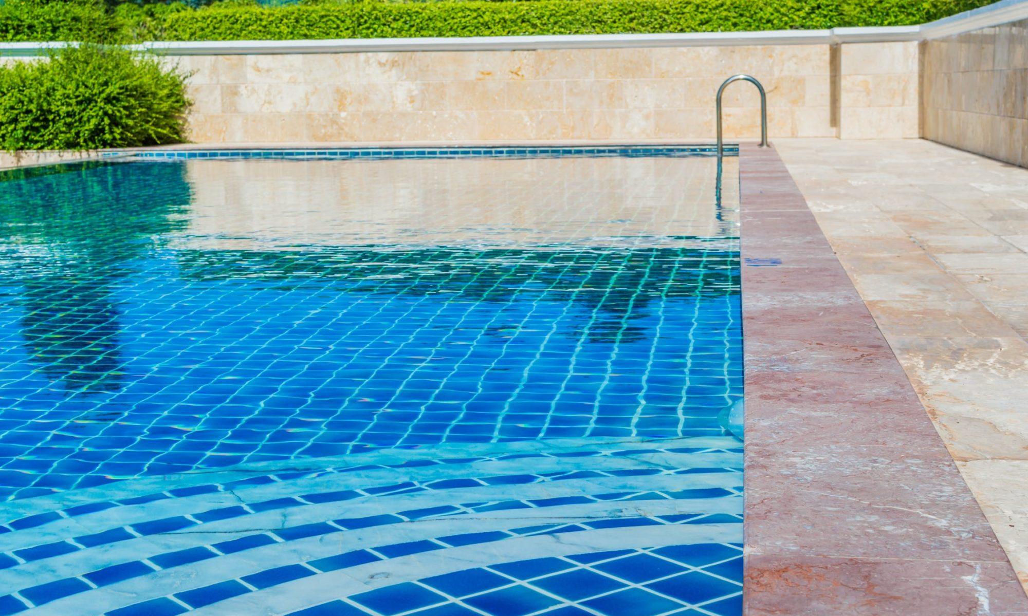 Abri piscine Antoni